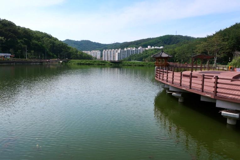 뜨거운날 경상북도 구미 검성지 생태공원 구경기